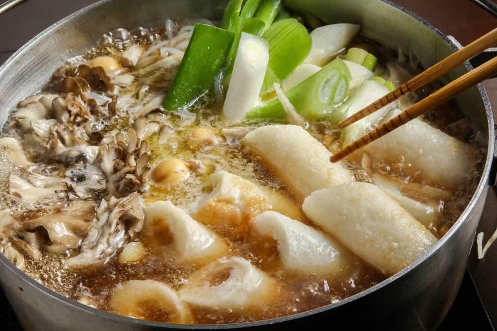 秋田の郷土料理きりたんぽ鍋
