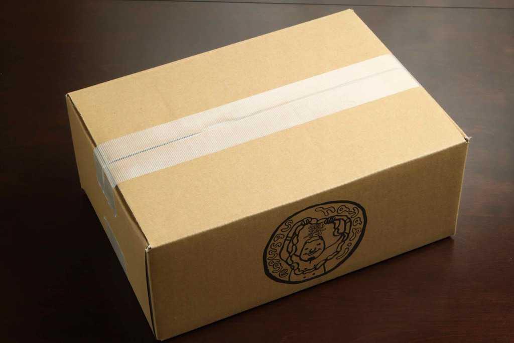 世界のソーセージhayariの通販・お取り寄せソーセージが入ったダンボール箱