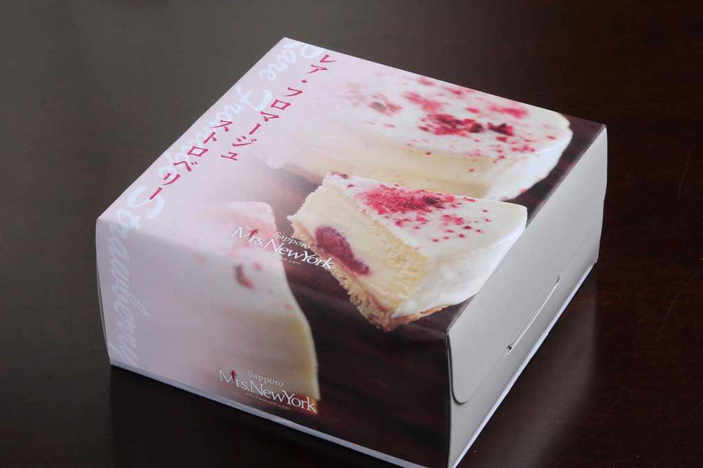 お取り寄せスイーツ・北海道ミセスニューヨークの「レア・フロマージュ ストロベリー」、北海道のお取り寄せチーズケーキ