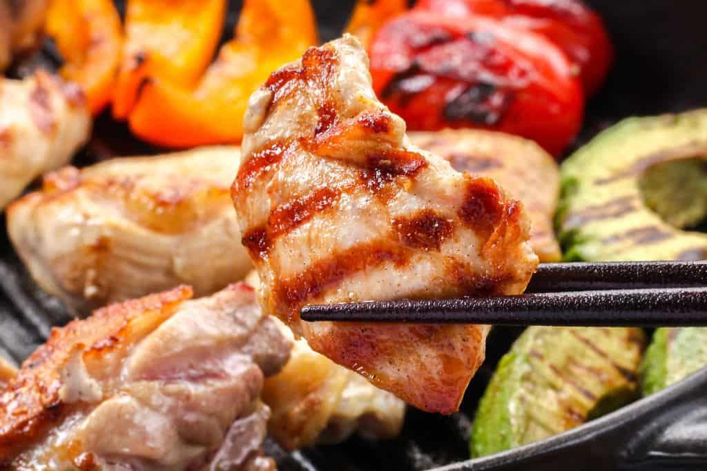 豊のしゃものむね肉焼き、地鶏むね肉のグリル
