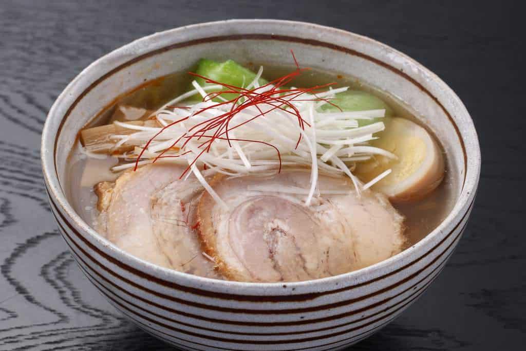 「本気豚記」の富山こだわり煮豚を使ったチャーシュー麺