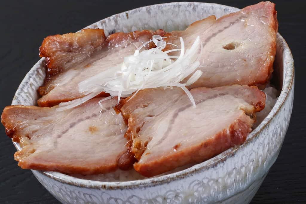益生號の焼豚ロースでチャーシュー丼