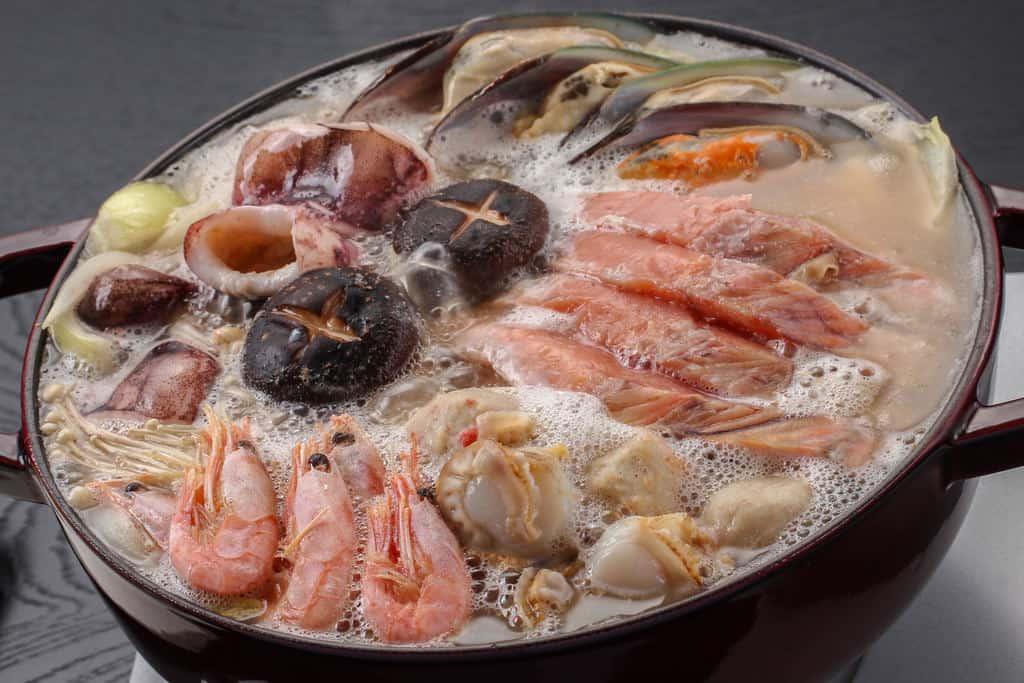 沸騰する石狩鍋