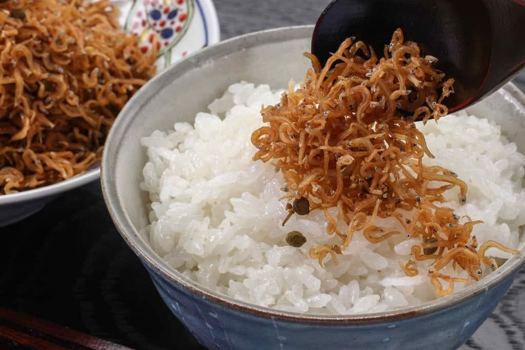 ご飯にかけている京都はれまのちりめん山椒