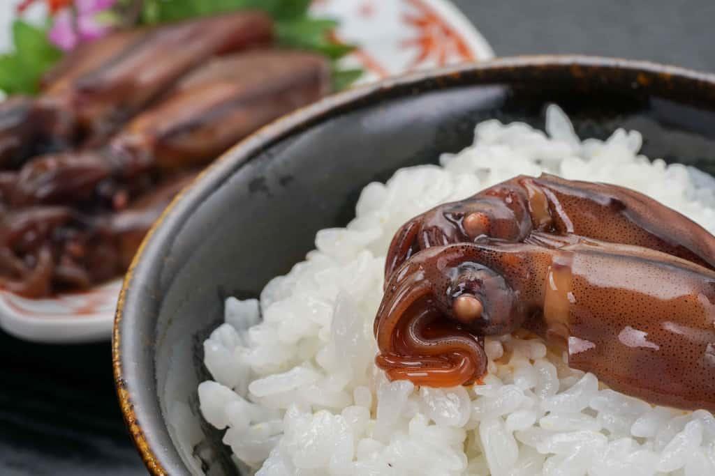 ご飯とほたるいか活漬けと日本酒