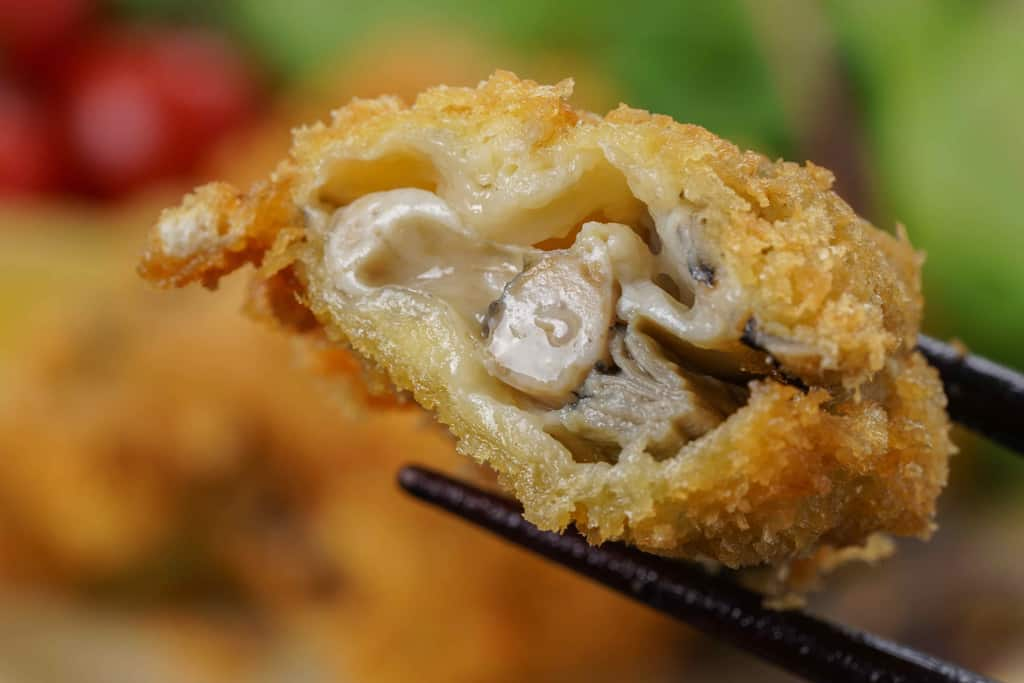 北海道厚岸産のまるえもん牡蠣で作ったカキフライの断面