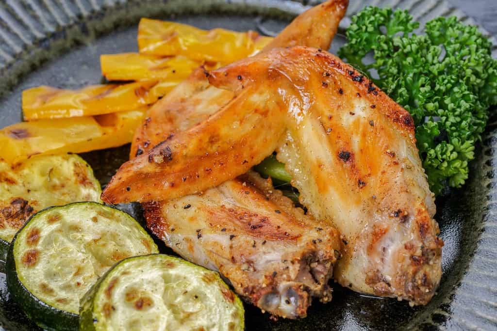 熊本県の天草大王地鶏の手羽先オーブン焼き