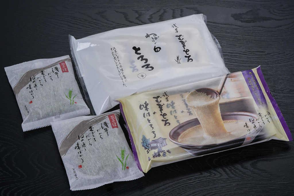浅草むぎとろの味付とろろ1パック(4袋入り)・ねばりの白とろろ1パック(4袋入り)・茶そば(乾麺・つゆ付き)2袋