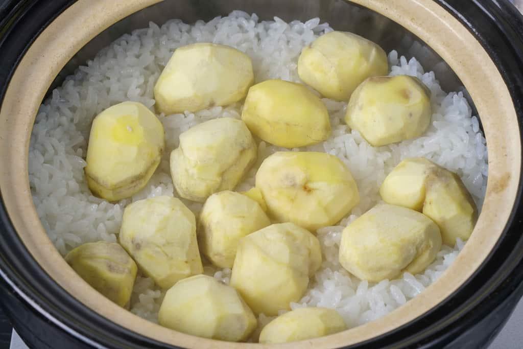 土鍋で炊き上げた丹波栗のご飯