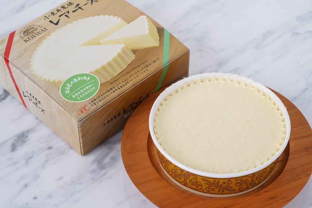 小岩井農場のレアチーズケーキと化粧箱