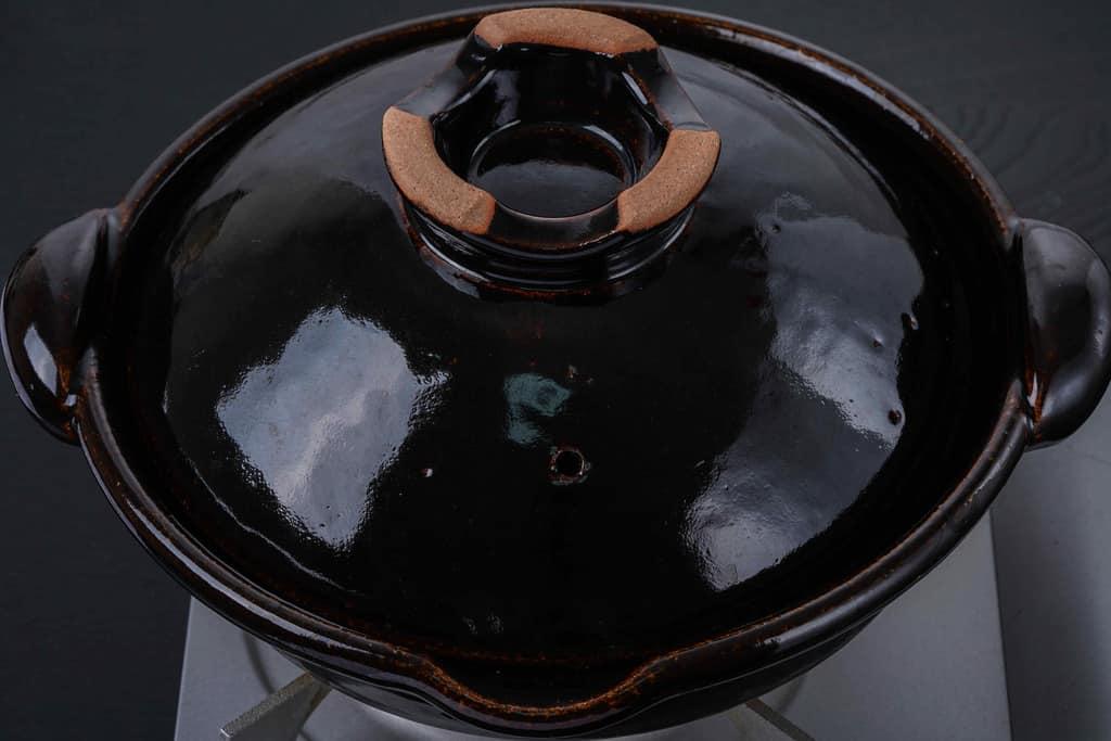 蓋をした土鍋