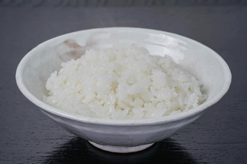 茶碗一杯の白いご飯