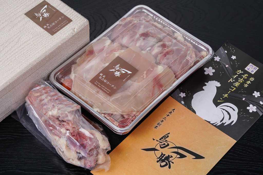 鳥勝の名古屋コーチン生肉(1羽分)が入ったパック・名古屋コーチンのガラ・リーフレット・発泡スチロール箱、お取り寄せ名古屋コーチン、通販名古屋コーチン