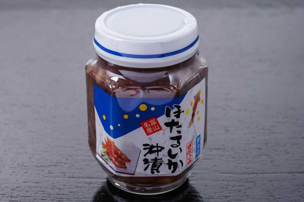 富山県川村水産の瓶詰めされたほたるいか沖漬220g、瓶に入ったホタルイカ沖漬け