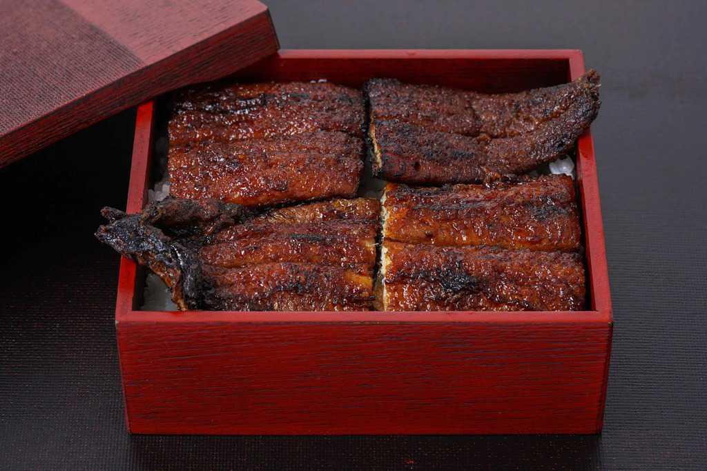 うなぎの兼光のお取り寄せ「炭火手焼きうなぎ蒲焼き」のうな重、愛知県一色産のうなぎ蒲焼きを使ってうな重