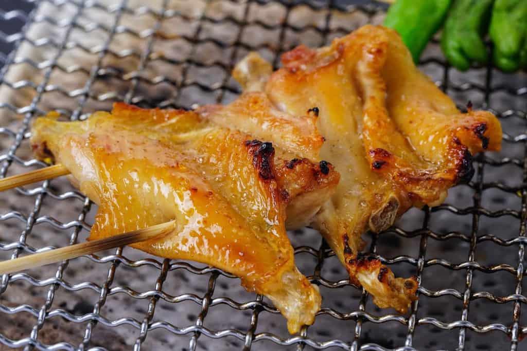 川俣シャモの焼き鳥、手羽先串、地鶏の手羽先焼き