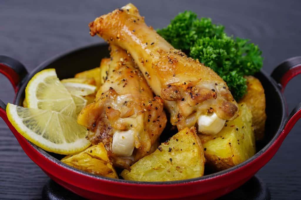 川俣シャモの手羽元オーブン焼き、地鶏の手羽元オーブン焼き