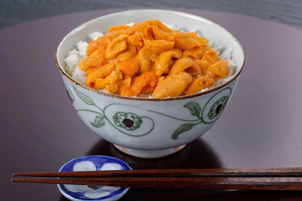 ウニ丼・箸・箸置き、うに丼、エゾバフンウニの生うに丼