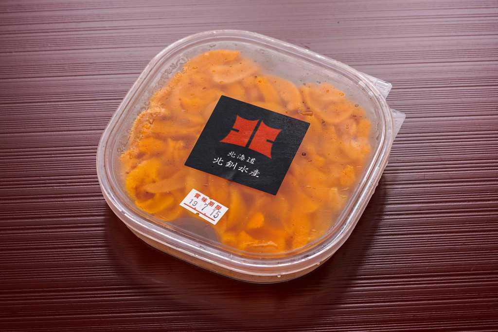北釧水産の北海道利尻産「えぞばふんうに」100g入(無添加塩水パック)のパッケージ、通販・お取り寄せ塩水ウニ