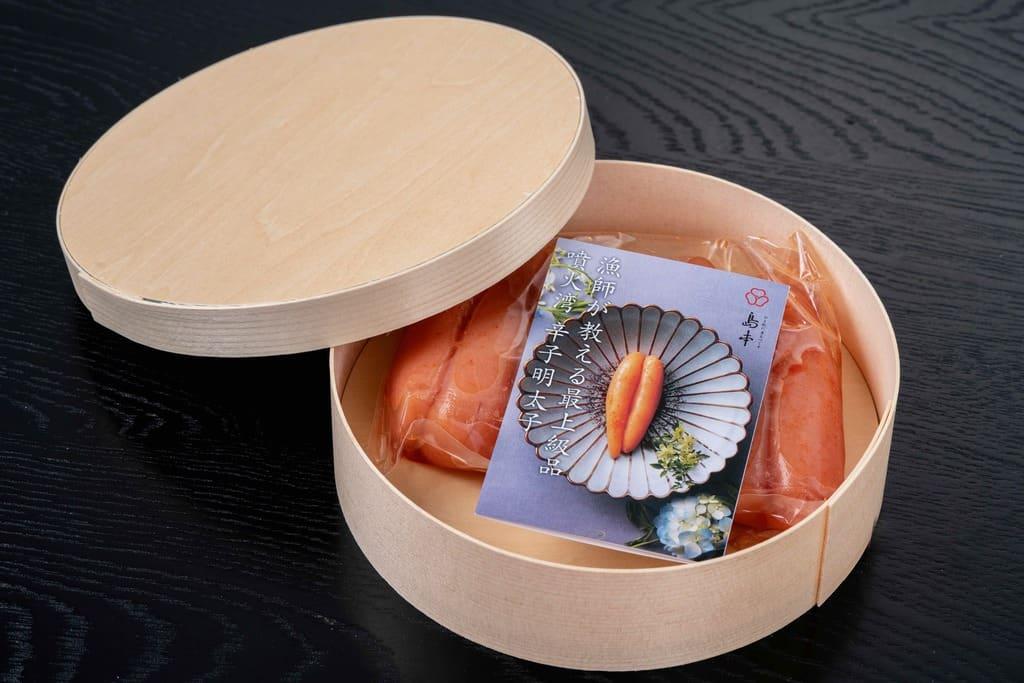 経木曲物の容器に入った島本食品の「北海道噴火湾産できたて辛子明太子320g」