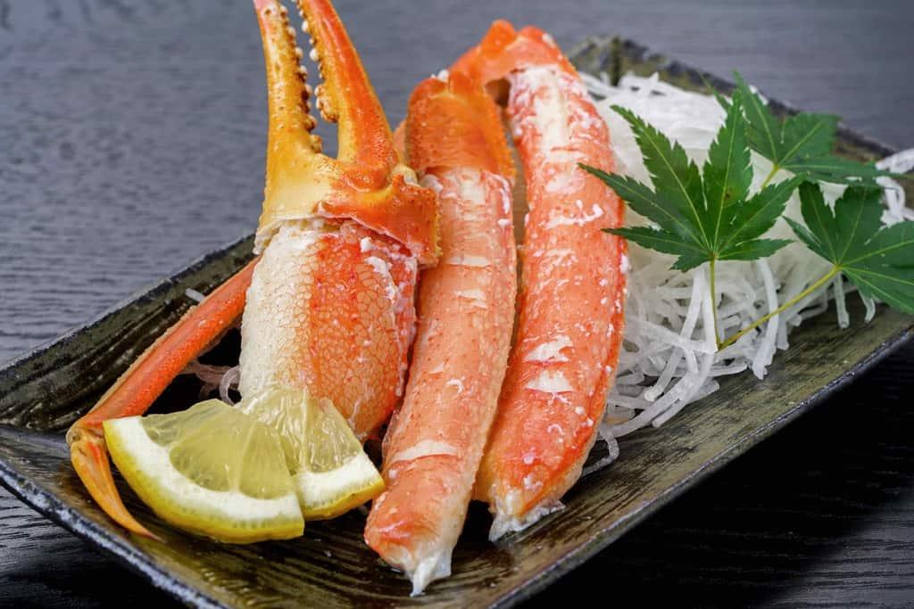 ボイルズワイガニ、茹でずわい蟹の脚肉と爪肉