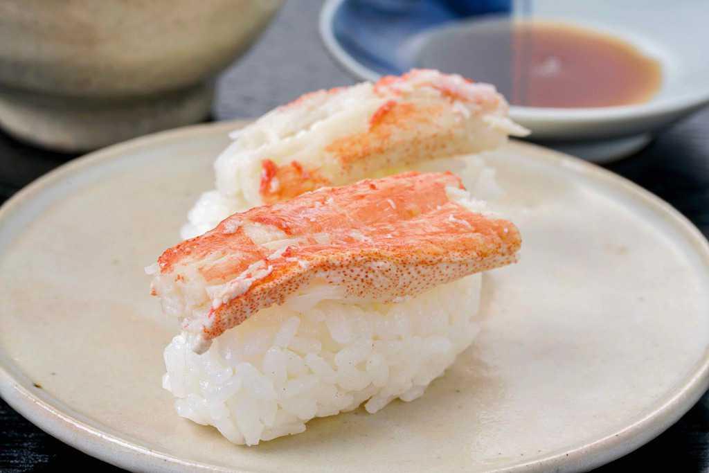 ズワイガニの握り寿司、ずわい蟹の寿司