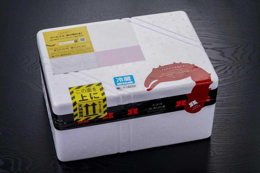 北釧水産の通販花咲蟹が入った発泡スチロール箱