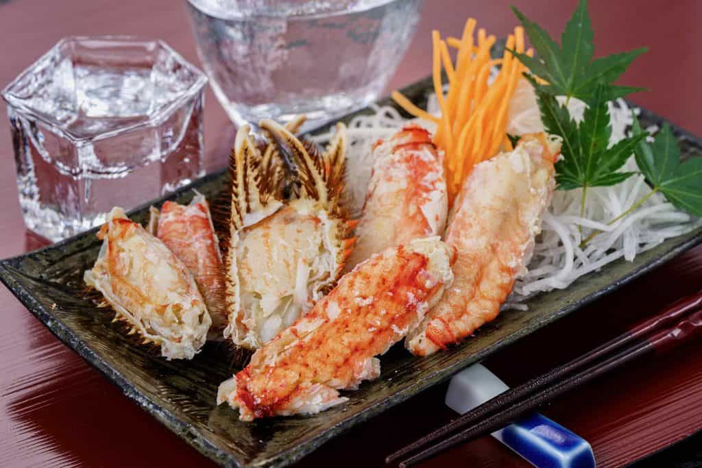 茹で毛蟹の身と日本酒(冷酒)