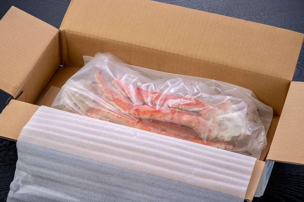 海の幸なのにYAMATOの「特大タラバ蟹1kg」の箱の中身