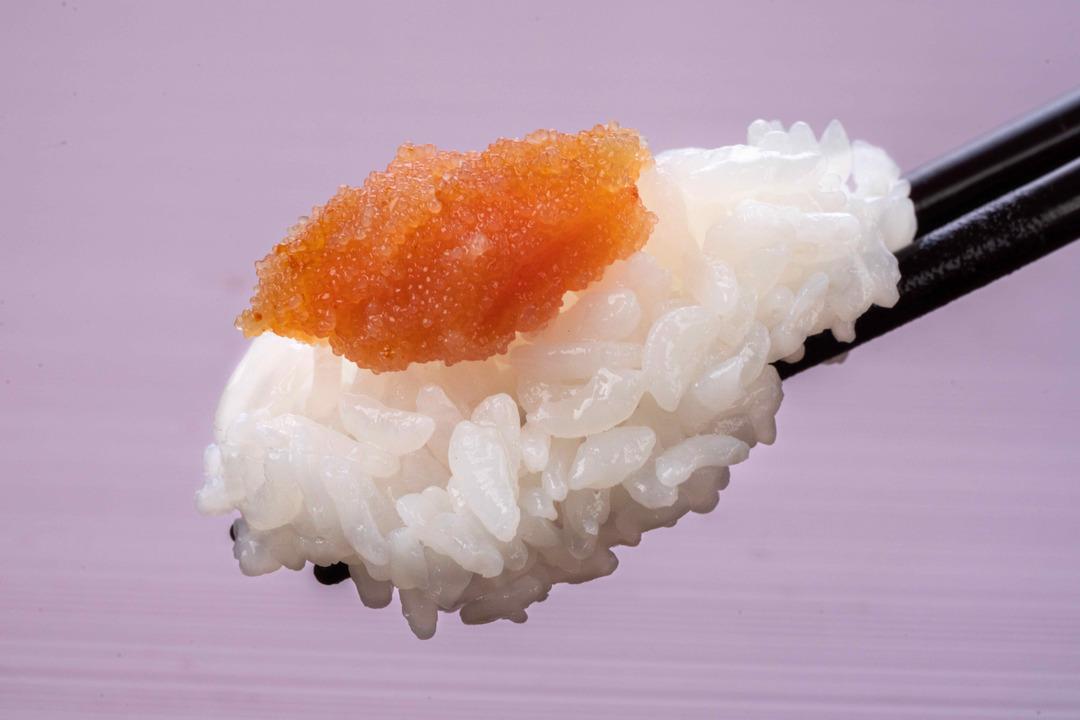 """箸の上の白飯と辛子明太子、辛子明太子ご飯、ふくやの味の明太子「復刻」"""""""""""