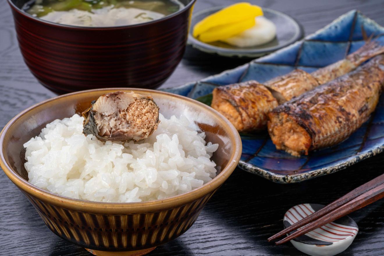 島本食品のいわしめんたい・ご飯・味噌汁・漬物、いわし明太子定食
