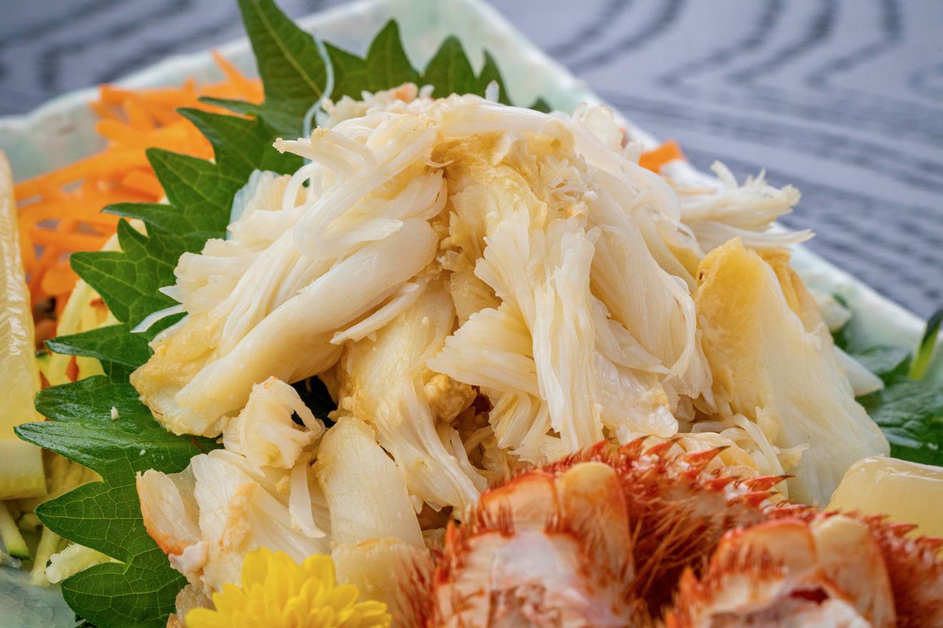 北海道産毛がにの抱き身、山盛りになった毛蟹の肩肉